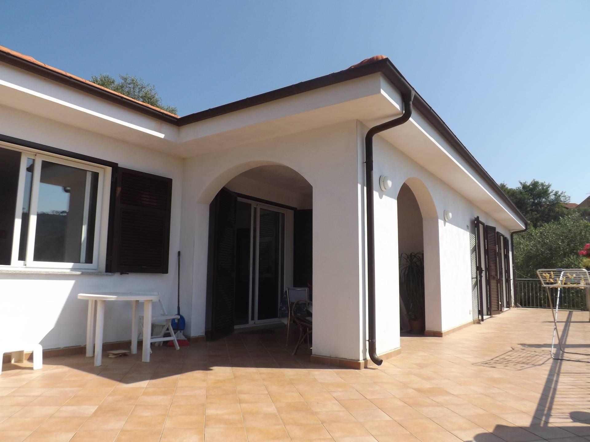 Villa in vendita a Andora, 4 locali, zona Località: SanBartolomeo, prezzo € 450.000   Cambio Casa.it