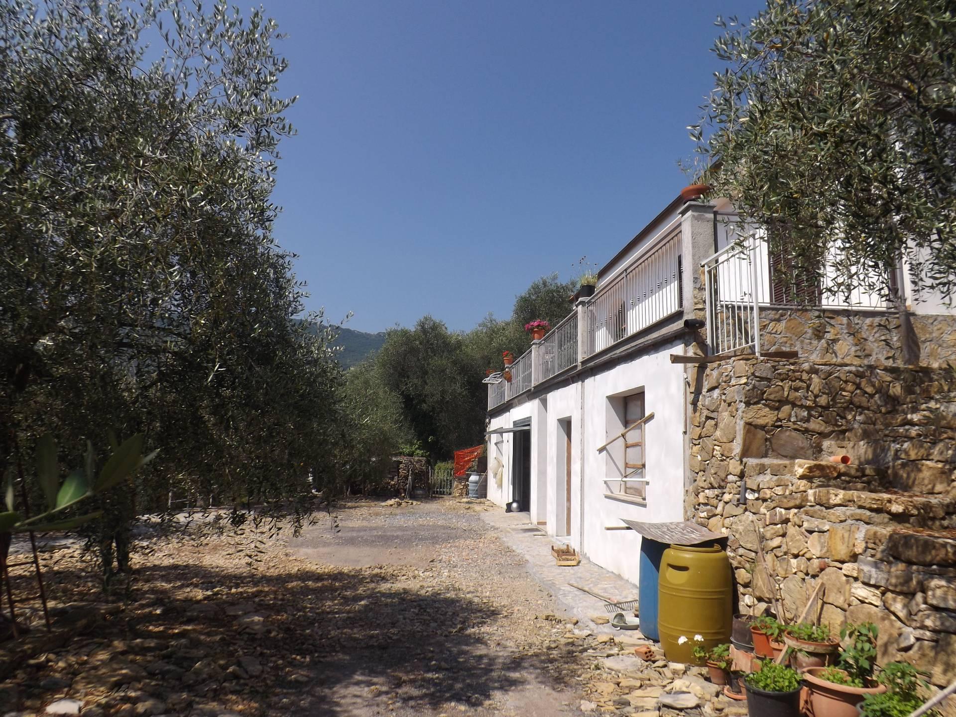 Villa in vendita a Andora, 4 locali, zona Località: SanBartolomeo, prezzo € 450.000 | Cambio Casa.it