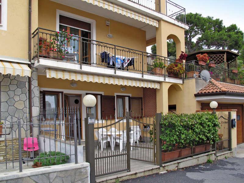 Appartamento in vendita a Andora, 3 locali, prezzo € 298.000   Cambio Casa.it