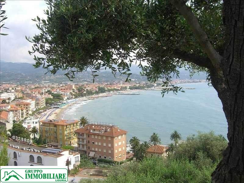 Villa in vendita a Diano Marina, 6 locali, prezzo € 1.180.000 | Cambio Casa.it