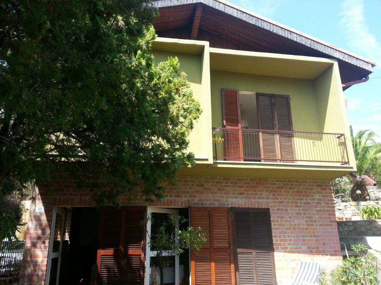 Villa in vendita a Andora, 7 locali, prezzo € 530.000 | Cambio Casa.it