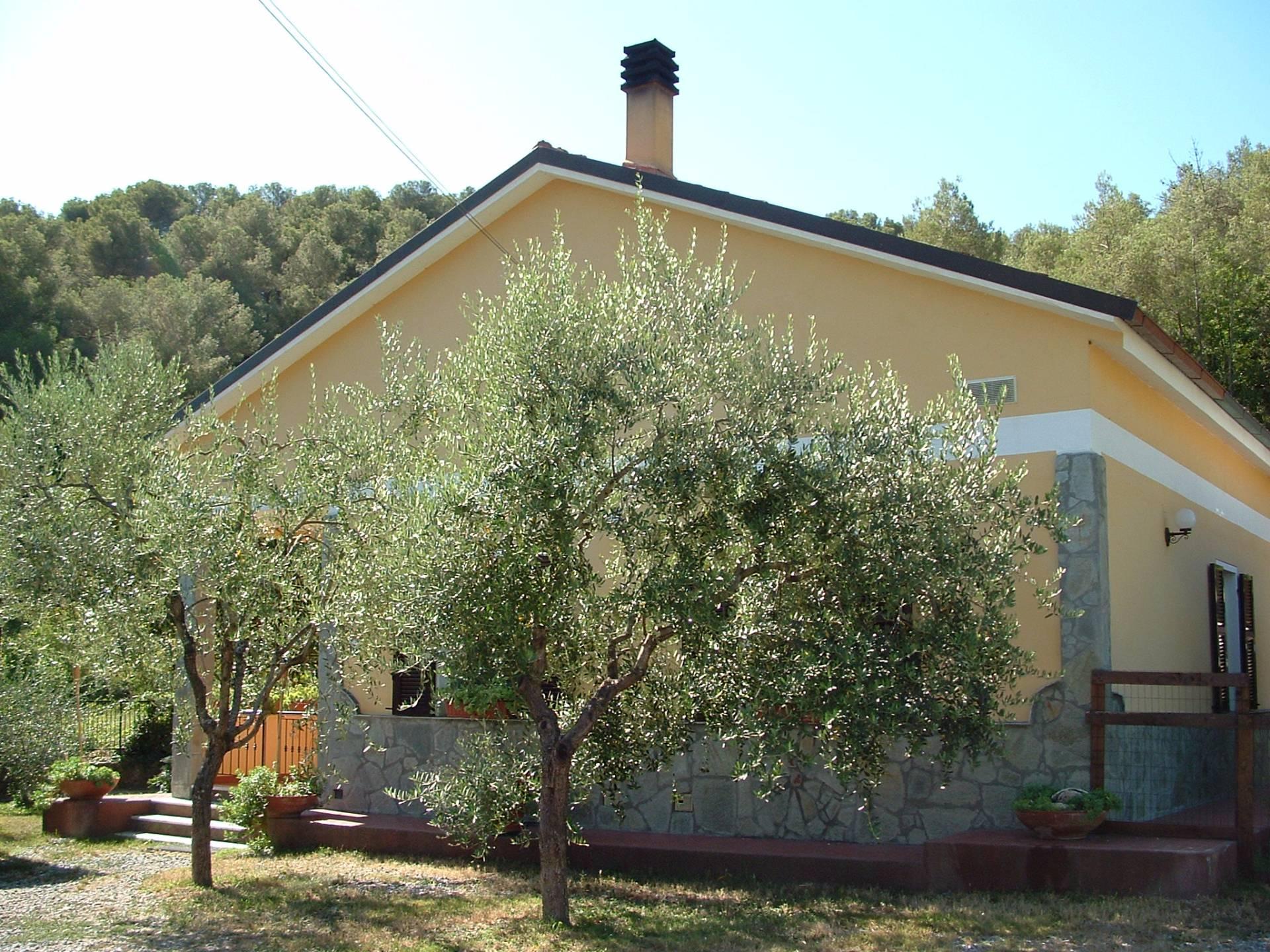 Soluzione Indipendente in vendita a Andora, 7 locali, prezzo € 345.000 | CambioCasa.it