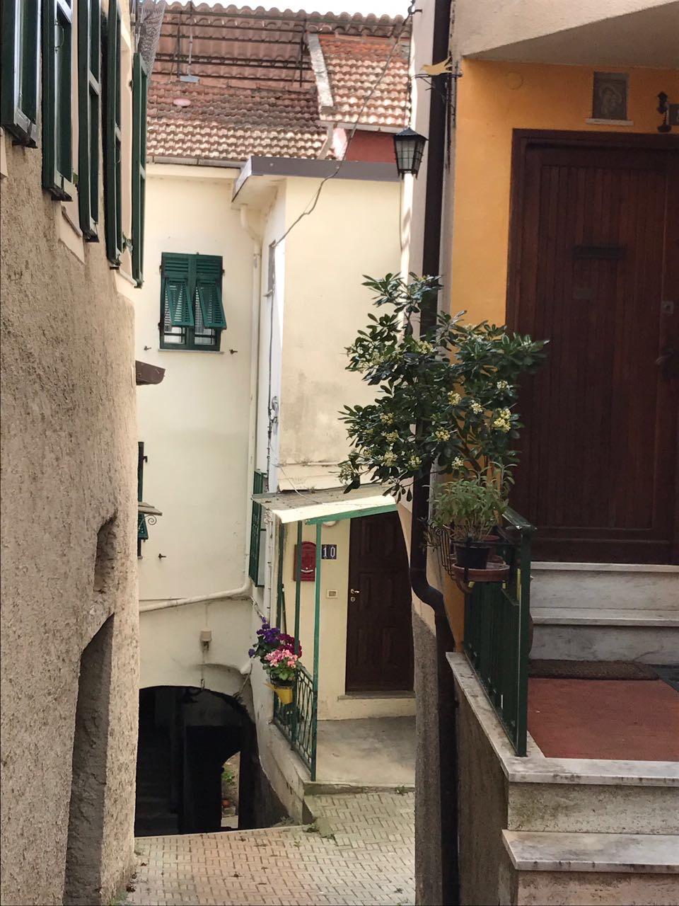 Appartamento in vendita a Chiusavecchia, 3 locali, prezzo € 38.000 | CambioCasa.it