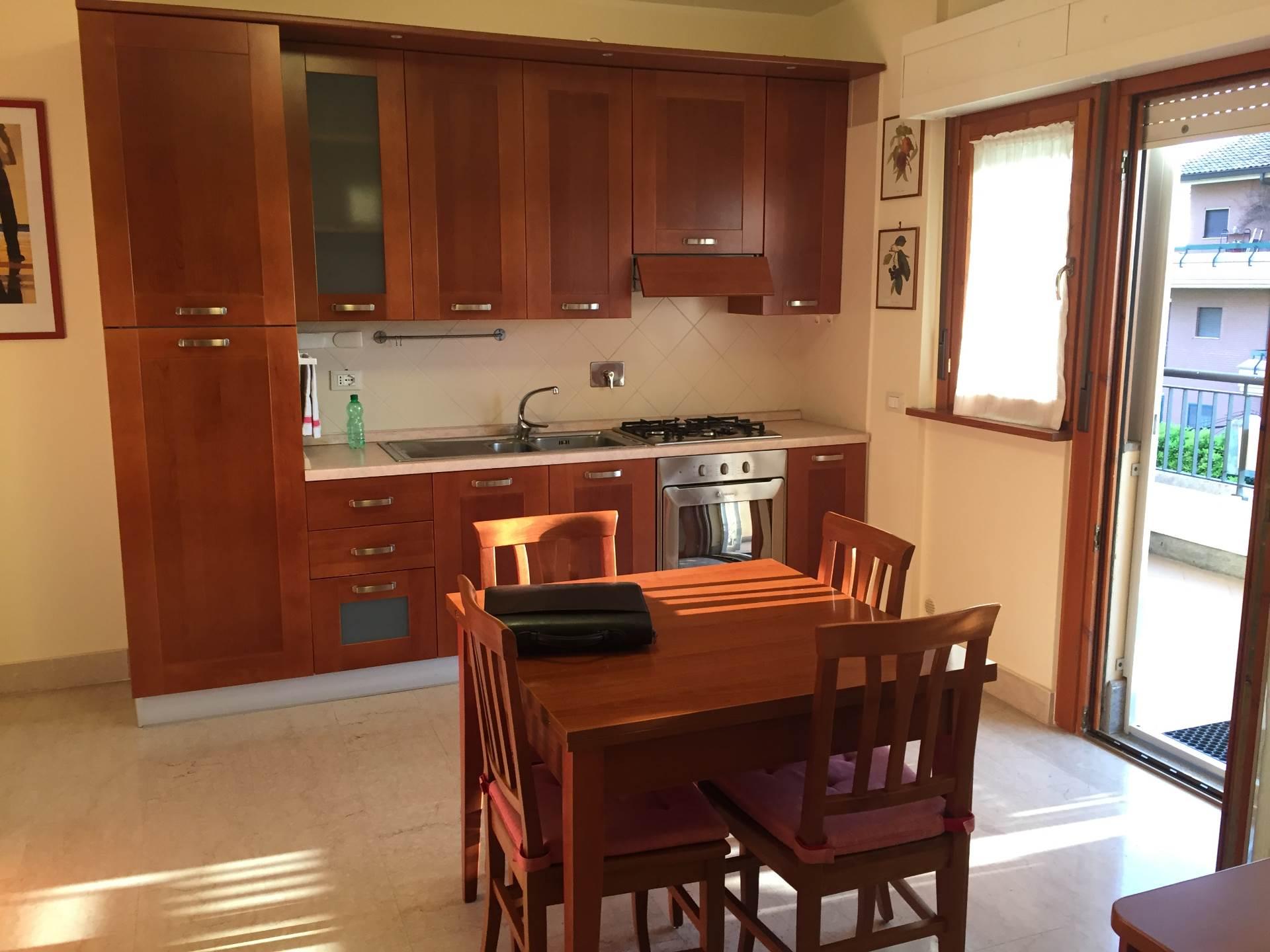 Bilocale Albano Laziale Via La Spezia 8