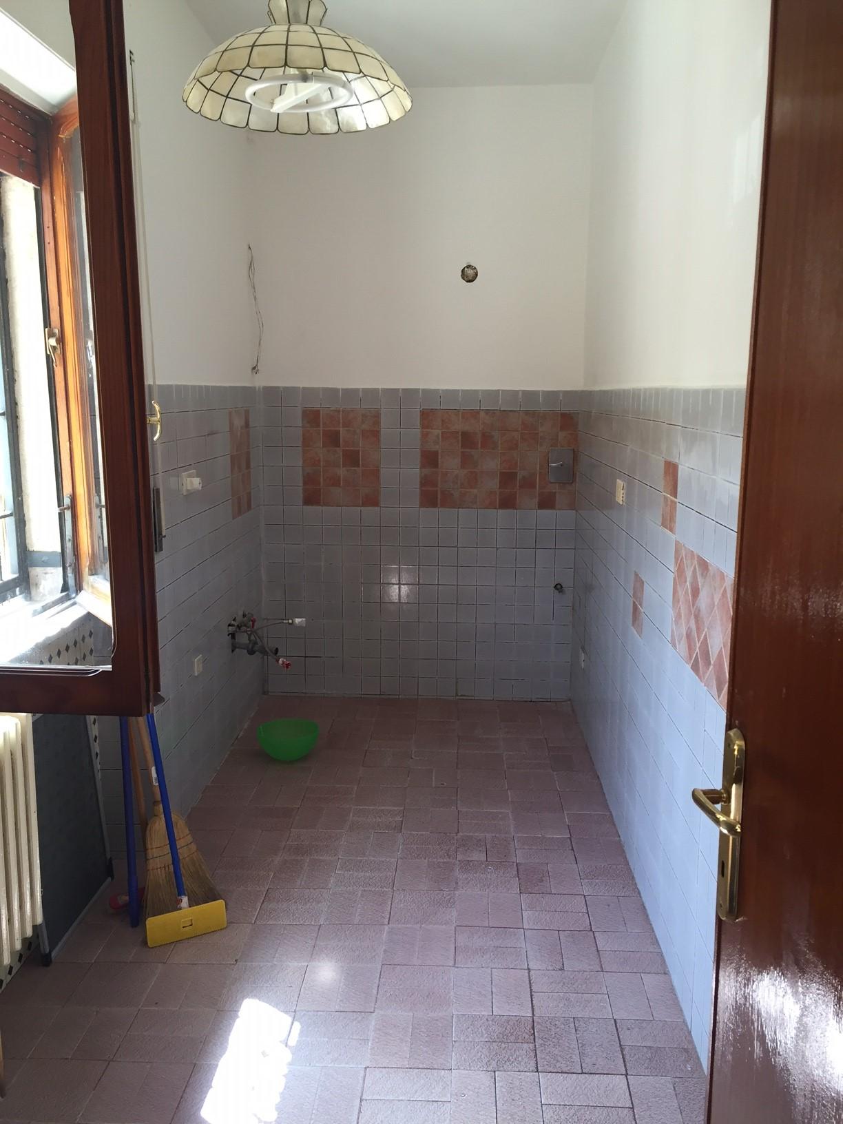 Bilocale Albano Laziale Via Perugia 6