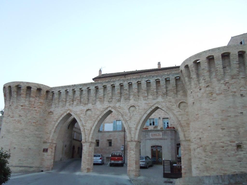 Soluzione Indipendente in vendita a Petritoli, 10 locali, prezzo € 130.000 | Cambio Casa.it