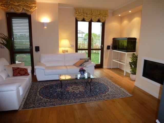 Villa a Schiera in vendita a Monte Urano, 10 locali, prezzo € 335.000 | Cambio Casa.it