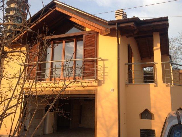 Villa in vendita a Stradella, 3 locali, prezzo € 130.000 | CambioCasa.it