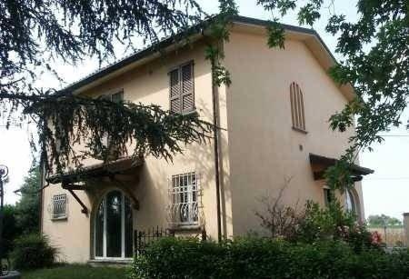 Villa in vendita a Arena Po, 6 locali, prezzo € 330.000 | CambioCasa.it