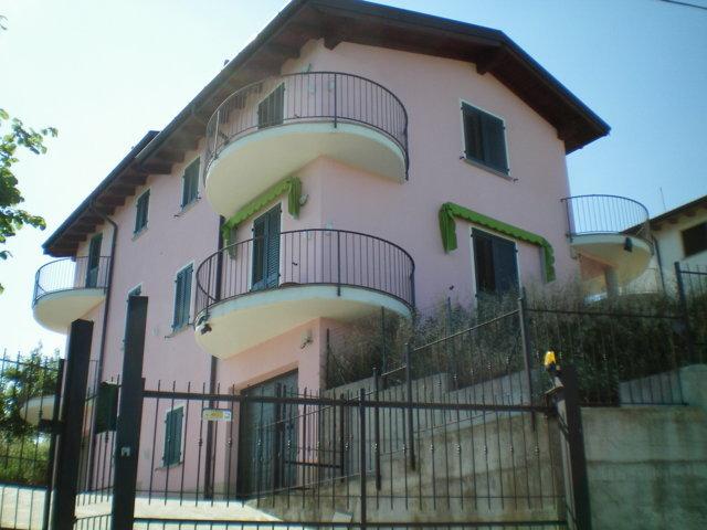 Villa in vendita a Zenevredo, 4 locali, prezzo € 200.000 | Cambio Casa.it