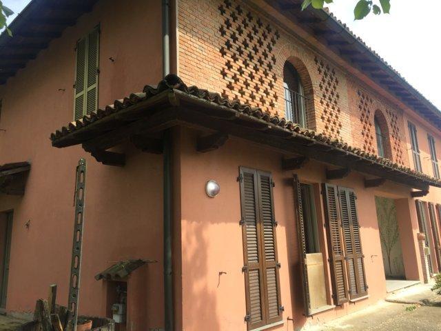 Villa in vendita a Stradella, 5 locali, prezzo € 200.000 | CambioCasa.it