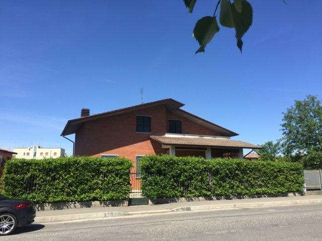Villa in vendita a Stradella, 6 locali, prezzo € 290.000 | Cambio Casa.it