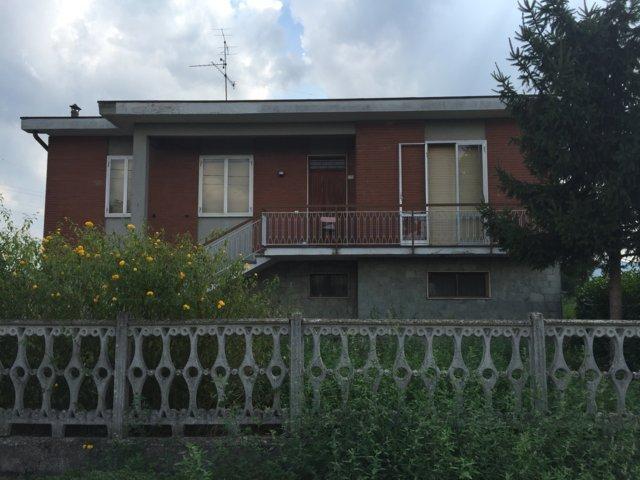 Villa in vendita a Portalbera, 4 locali, prezzo € 195.000 | CambioCasa.it