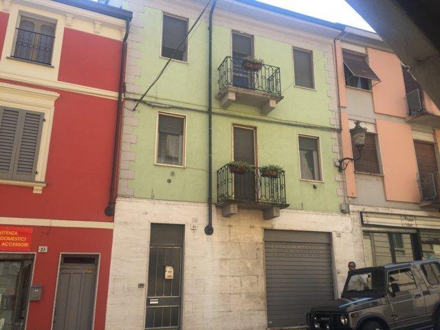 Soluzione Indipendente in vendita a Stradella, 6 locali, prezzo € 128.000 | Cambio Casa.it