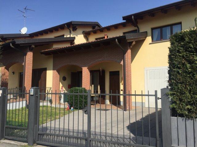 Villa in vendita a Stradella, 4 locali, prezzo € 235.000 | Cambio Casa.it