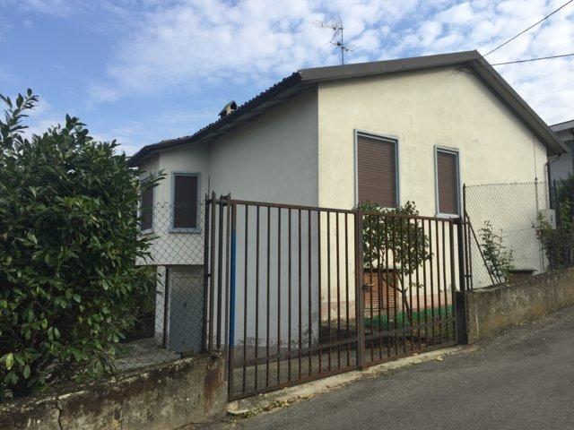 Villa in vendita a Stradella, 3 locali, prezzo € 140.000 | Cambio Casa.it