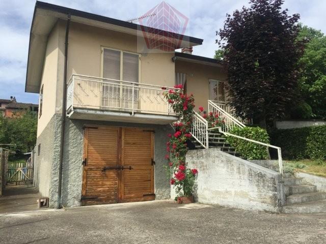 Villa in vendita a Rovescala, 3 locali, prezzo € 95.000 | CambioCasa.it
