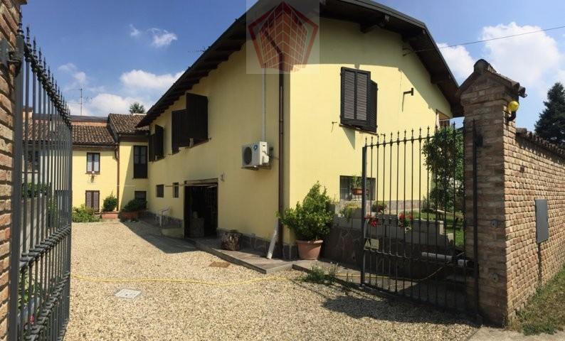 Villa in Vendita a Torricella Verzate