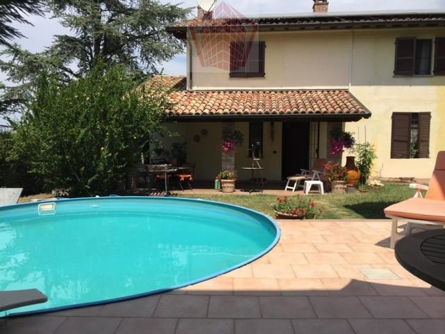 Soluzione Indipendente in vendita a San Damiano al Colle, 7 locali, prezzo € 310.000 | CambioCasa.it