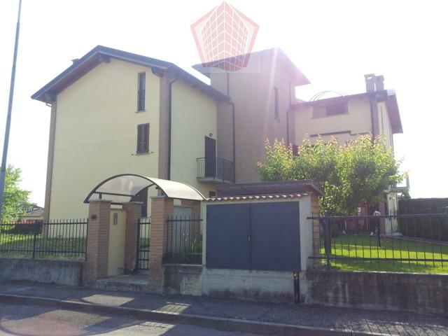 Appartamento in Vendita a Broni