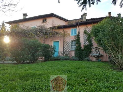 Vai alla scheda: Villa o villino Vendita Santa Maria della Versa