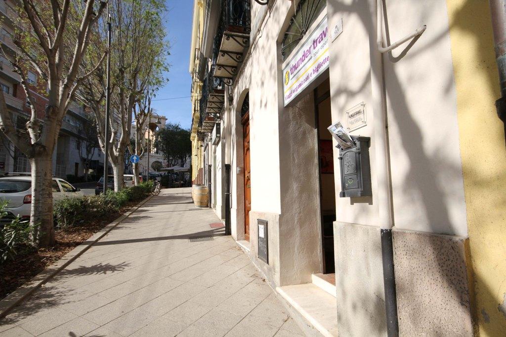 Negozio / Locale in vendita a Cagliari, 9999 locali, zona Località: Centro, prezzo € 165.000 | CambioCasa.it