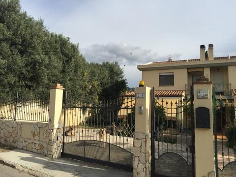 Soluzione Indipendente in vendita a Quartu Sant'Elena, 6 locali, zona Località: Flumini, prezzo € 268.000 | Cambio Casa.it