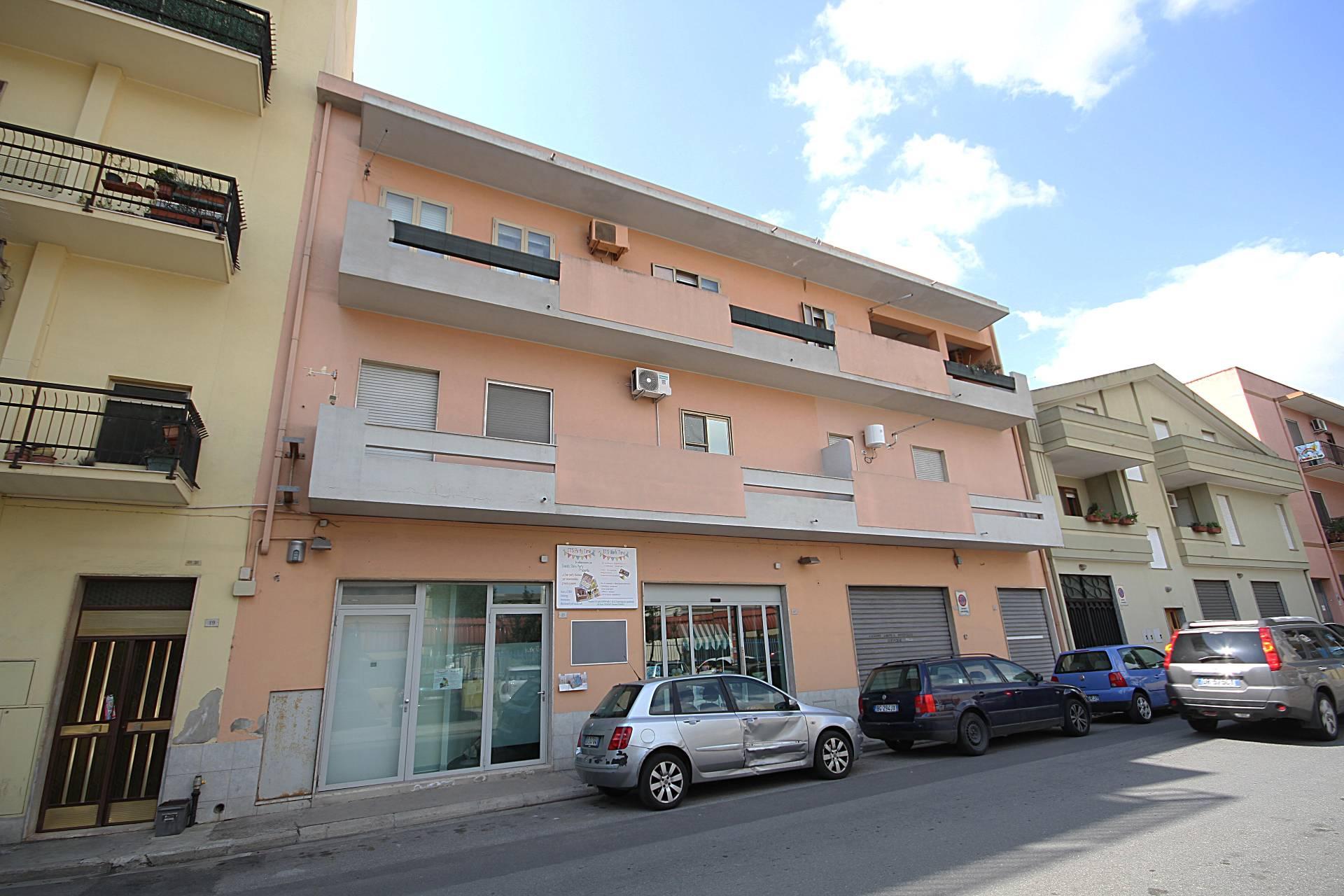 Negozio / Locale in affitto a Quartu Sant'Elena, 9999 locali, zona Località: SanBendetto-ViaFiume, prezzo € 1.250 | Cambio Casa.it
