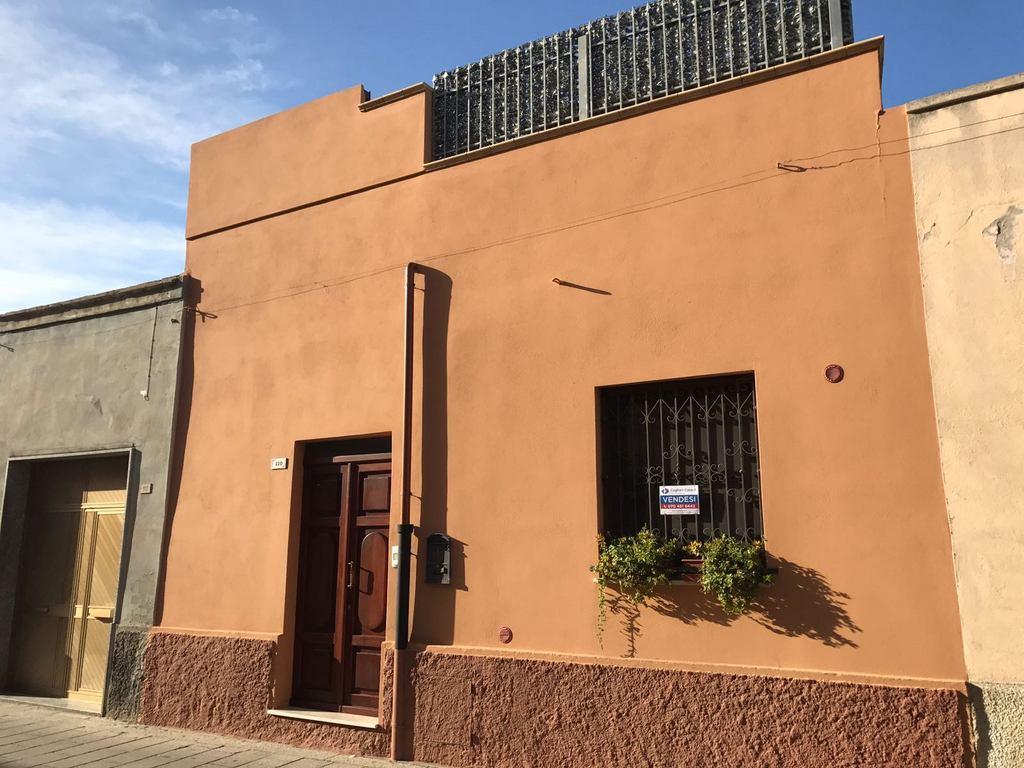 Soluzione Indipendente in vendita a Quartu Sant'Elena, 3 locali, zona Località: Colombo, prezzo € 119.000 | Cambio Casa.it