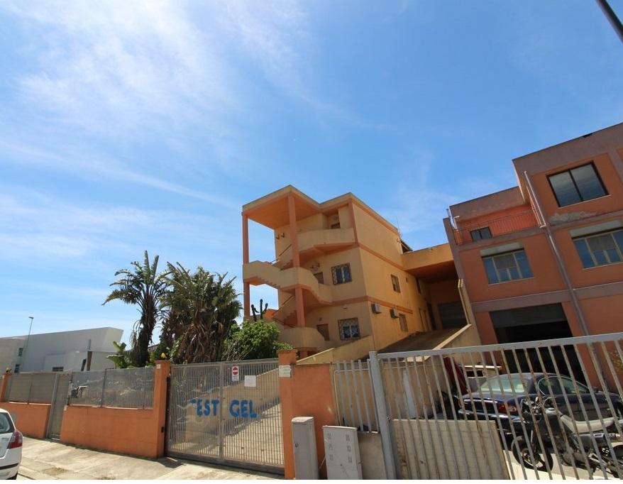 Appartamento in vendita a Selargius, 2 locali, prezzo € 60.000   CambioCasa.it