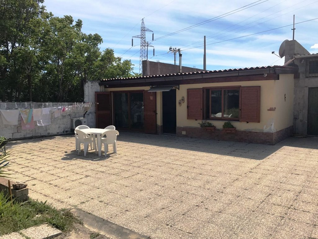 Soluzione Indipendente in vendita a Quartu Sant'Elena, 4 locali, zona Località: PitzeSerra, prezzo € 239.000   CambioCasa.it