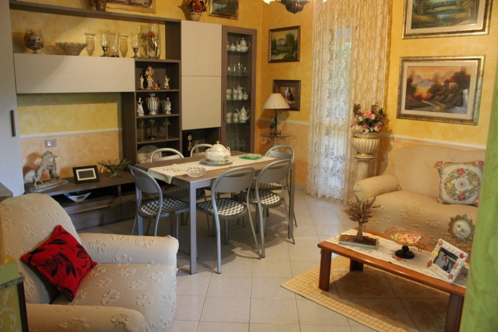 Soluzione Indipendente in vendita a Quartu Sant'Elena, 5 locali, prezzo € 169.000 | CambioCasa.it