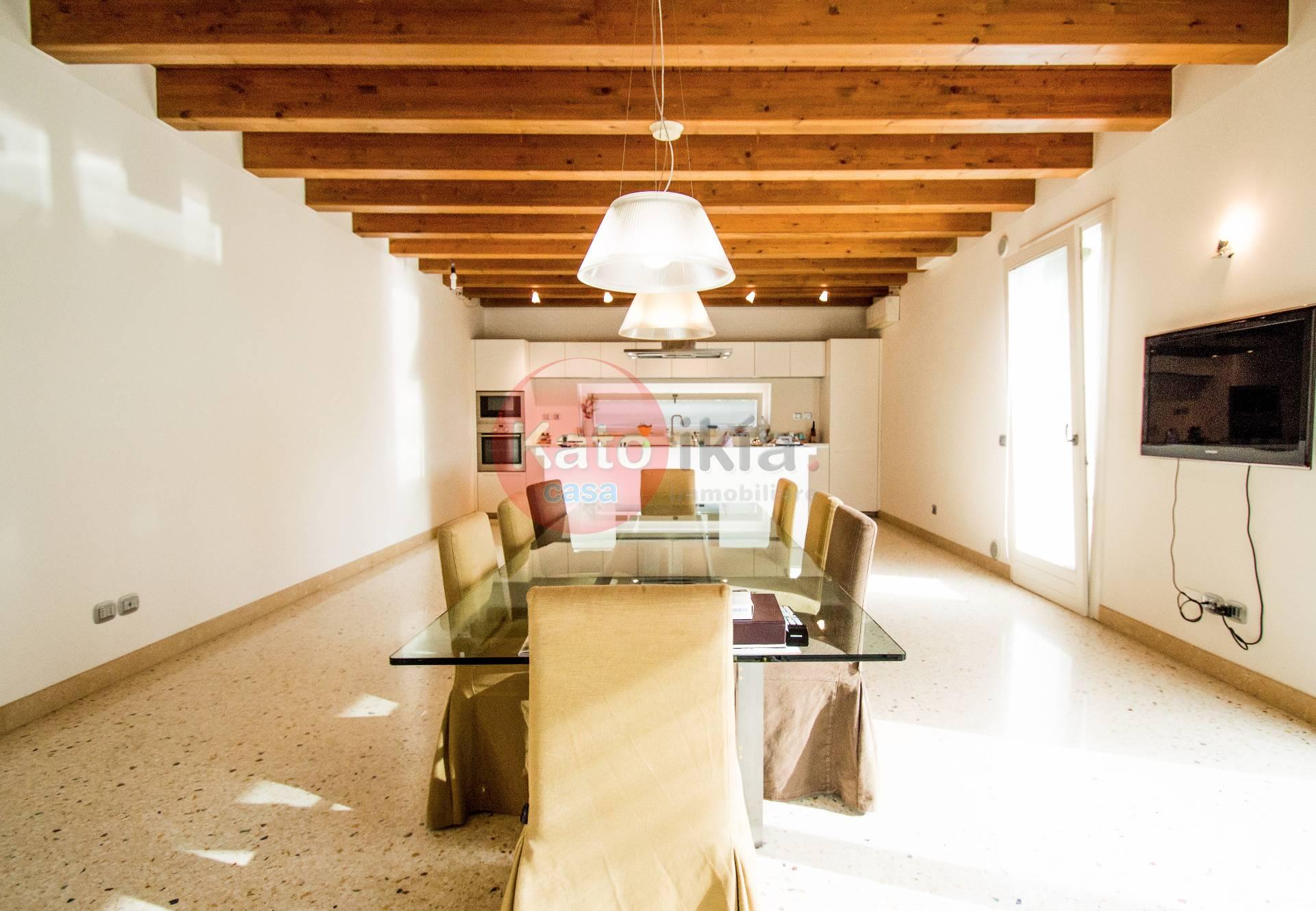 Villa in vendita a Lonigo, 8 locali, Trattative riservate   CambioCasa.it