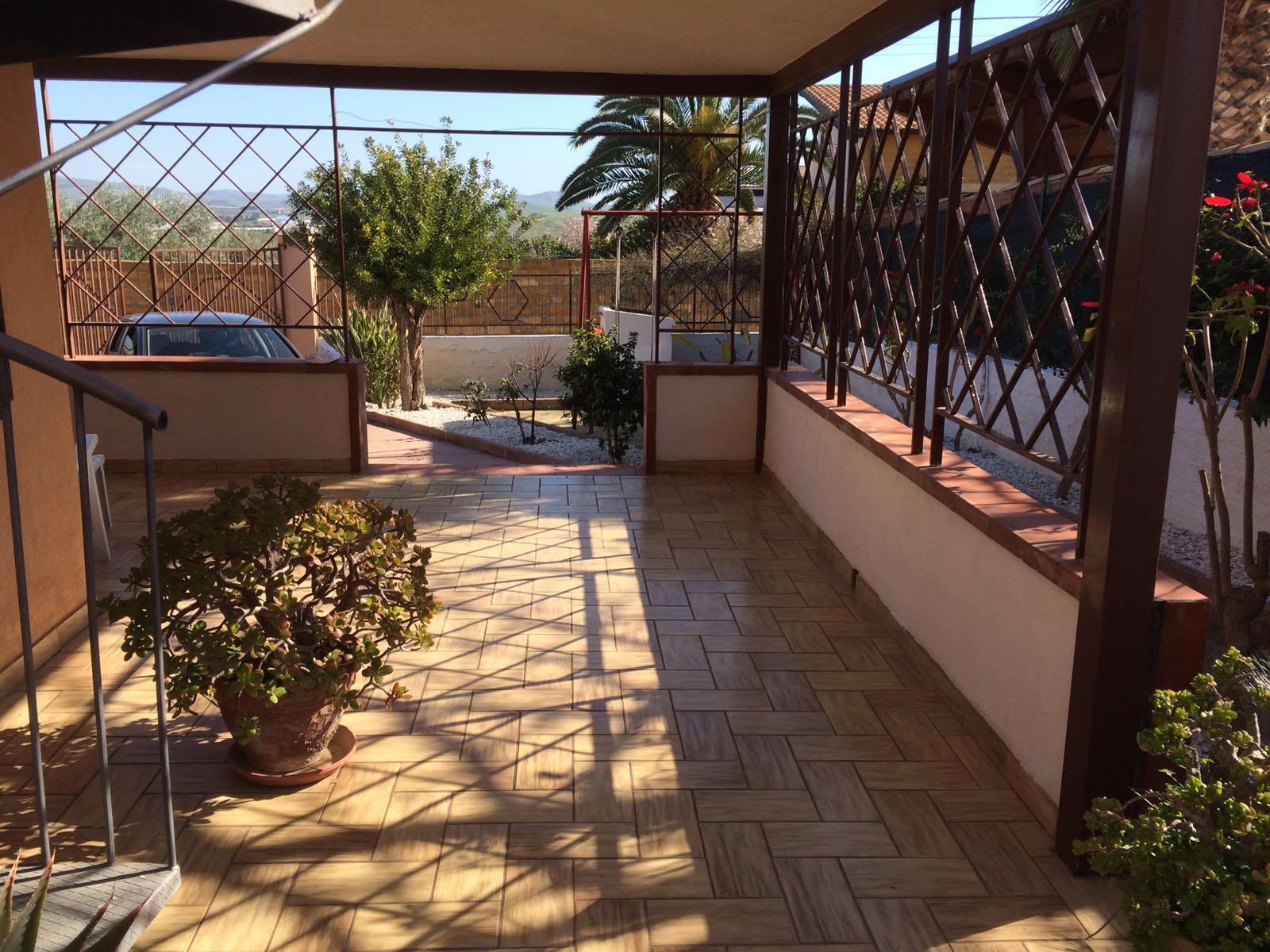 Villa in vendita a Agrigento, 5 locali, zona Località: VillaggioMosè, prezzo € 150.000 | CambioCasa.it