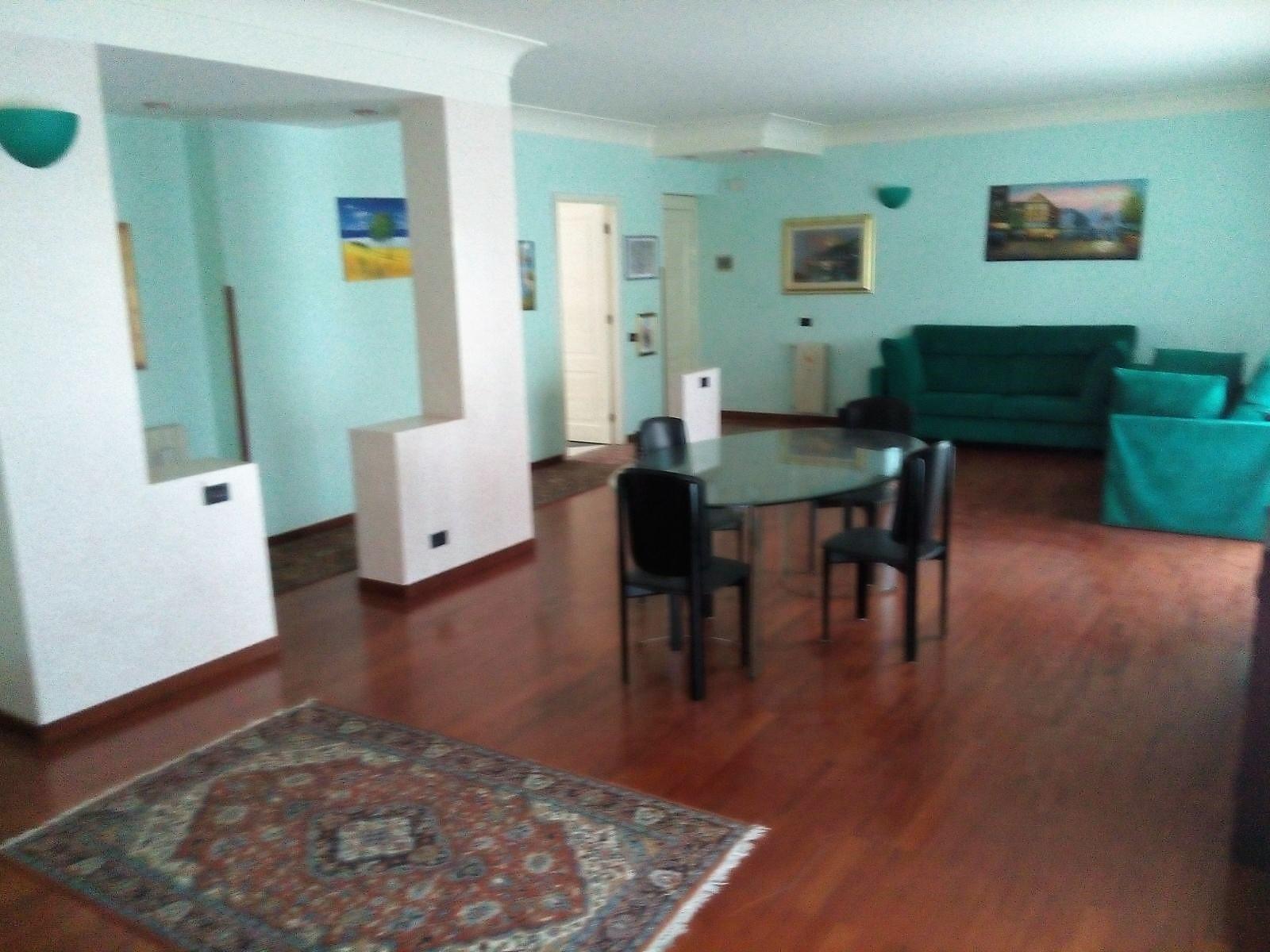 Appartamento in affitto a Agrigento, 5 locali, zona Località: Quadrivio, prezzo € 600 | CambioCasa.it
