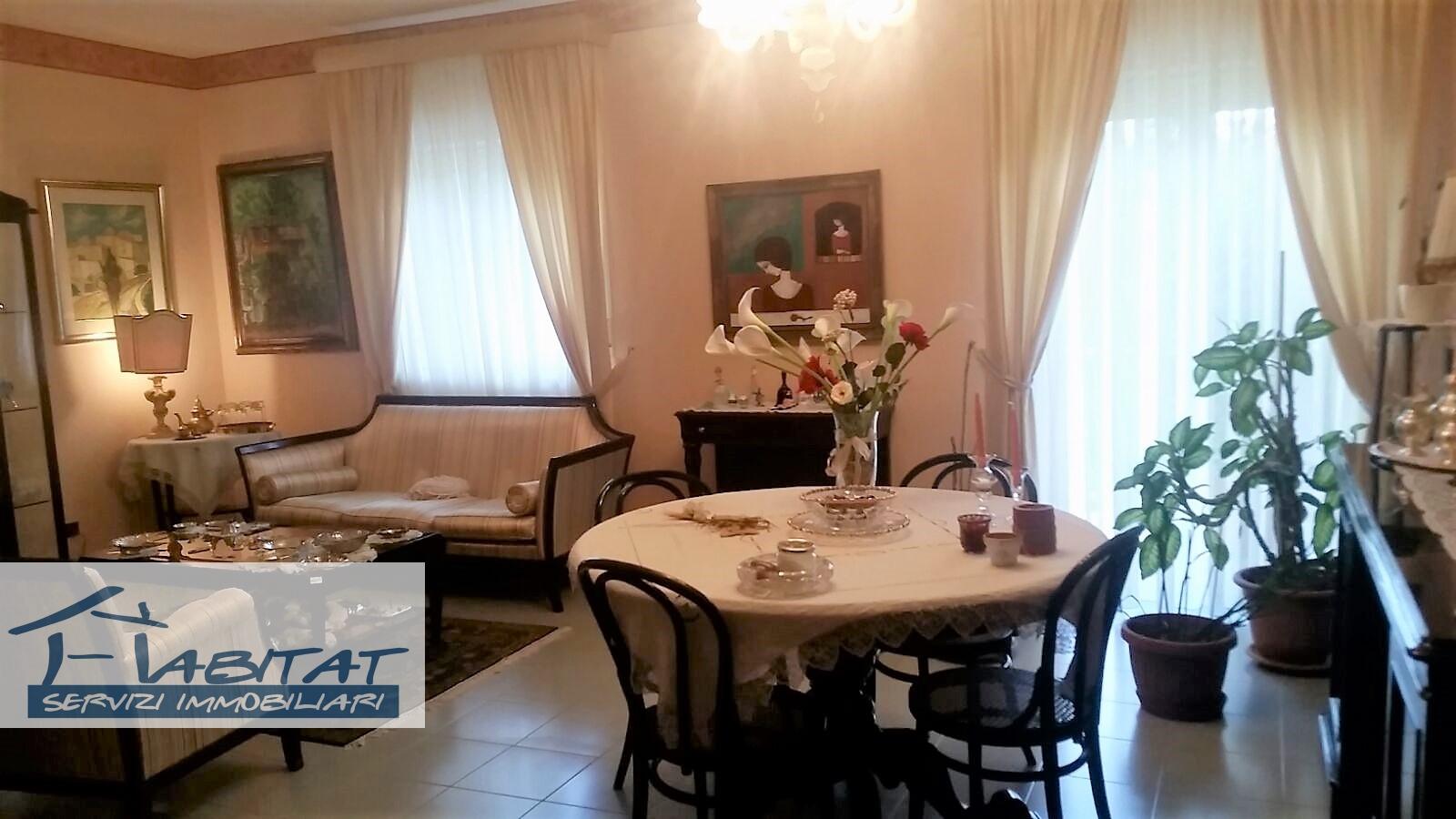 Appartamento in vendita a Agrigento, 6 locali, zona Zona: Fontanelle, prezzo € 125.000 | CambioCasa.it