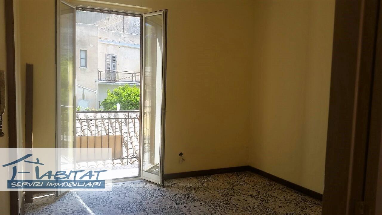 Appartamento in affitto a Agrigento, 2 locali, zona Località: Centrostorico, prezzo € 40.000 | CambioCasa.it