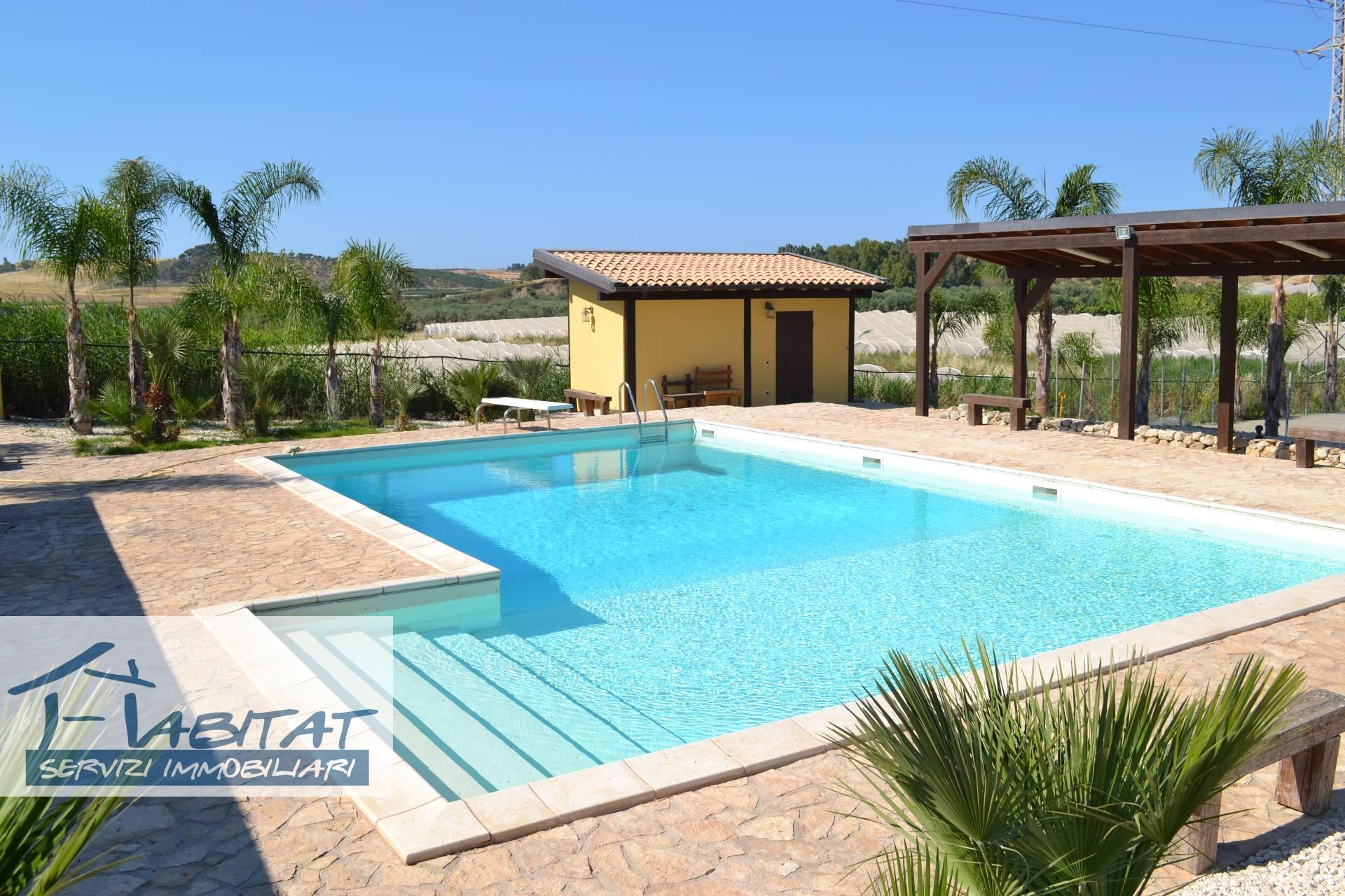 Rustico / Casale in affitto a Agrigento, 3 locali, zona Località: VillaggioMosè, prezzo € 270.000 | CambioCasa.it
