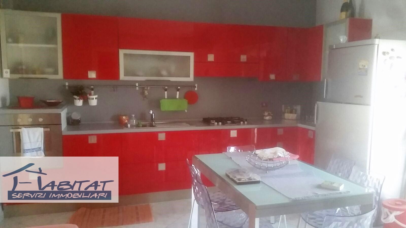 Appartamento in vendita a Agrigento, 5 locali, zona Zona: Fontanelle, prezzo € 100.000 | CambioCasa.it