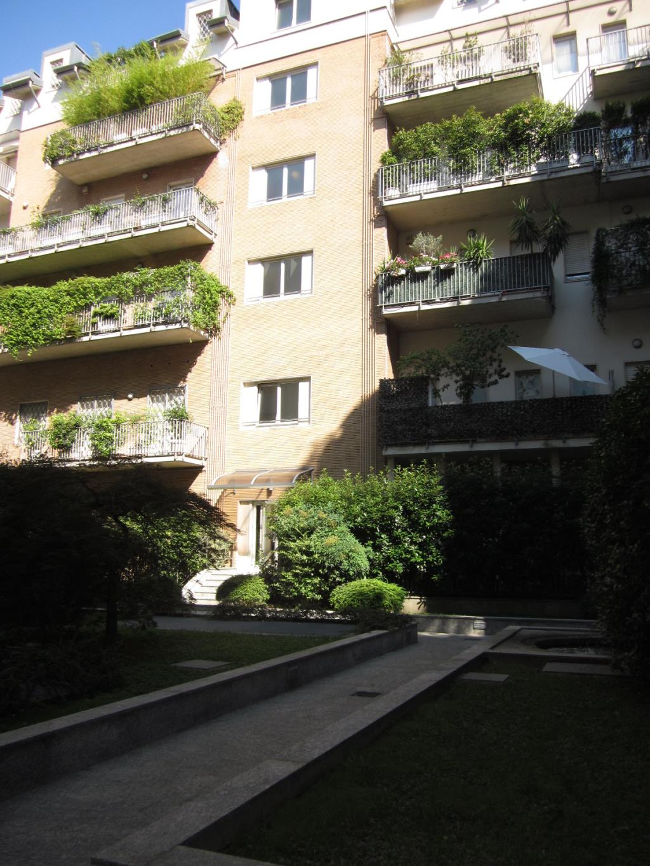 Bilocale Milano Via Antonio Baldissera 2