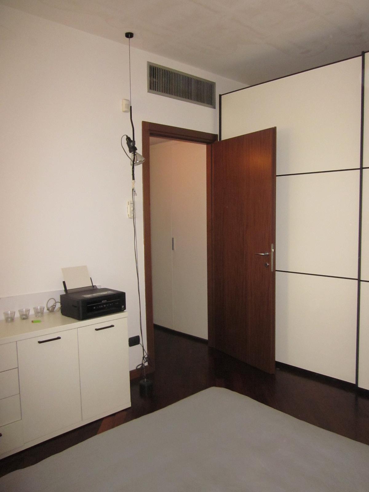 Bilocale Milano Via Antonio Baldissera 9