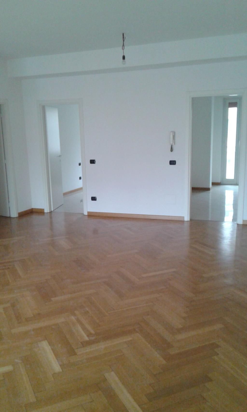 Appartamento in vendita a Milano, 4 locali, zona Località: Loreto, prezzo € 530.000   Cambio Casa.it