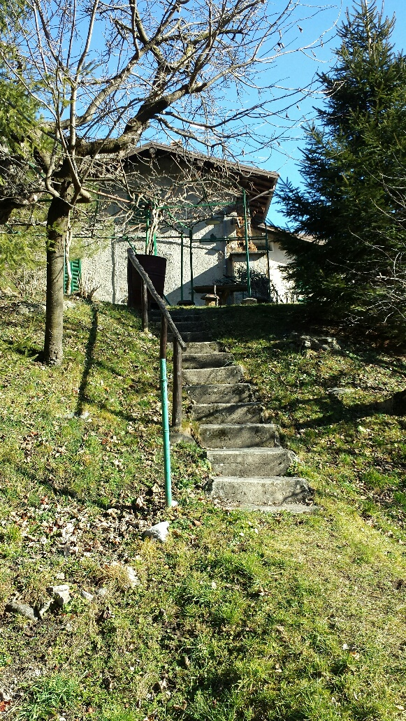 Bilocale Barni Via Aimonti 1