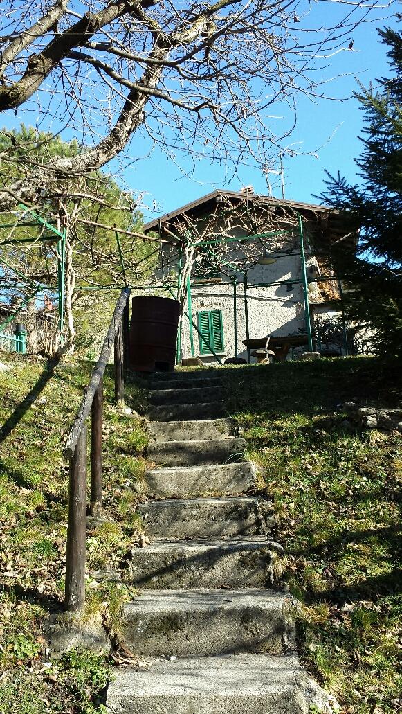Bilocale Barni Via Aimonti 2