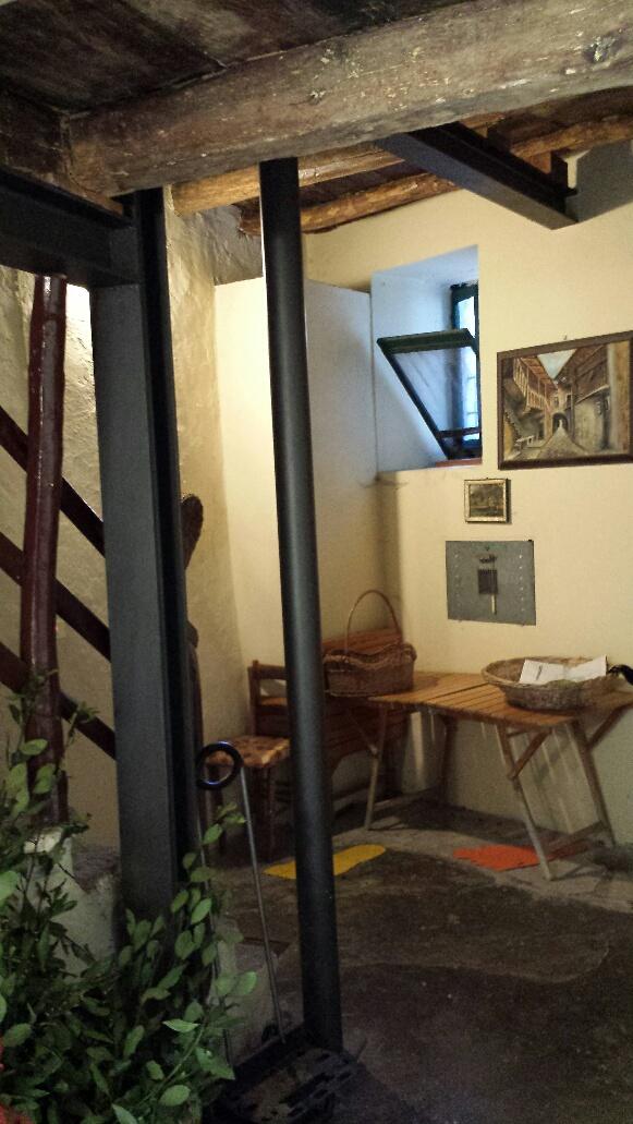 Bilocale Barni Via Aimonti 6