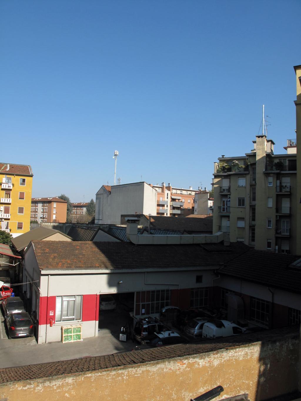 Bilocale Milano Via Marcantonio Dal Re 9