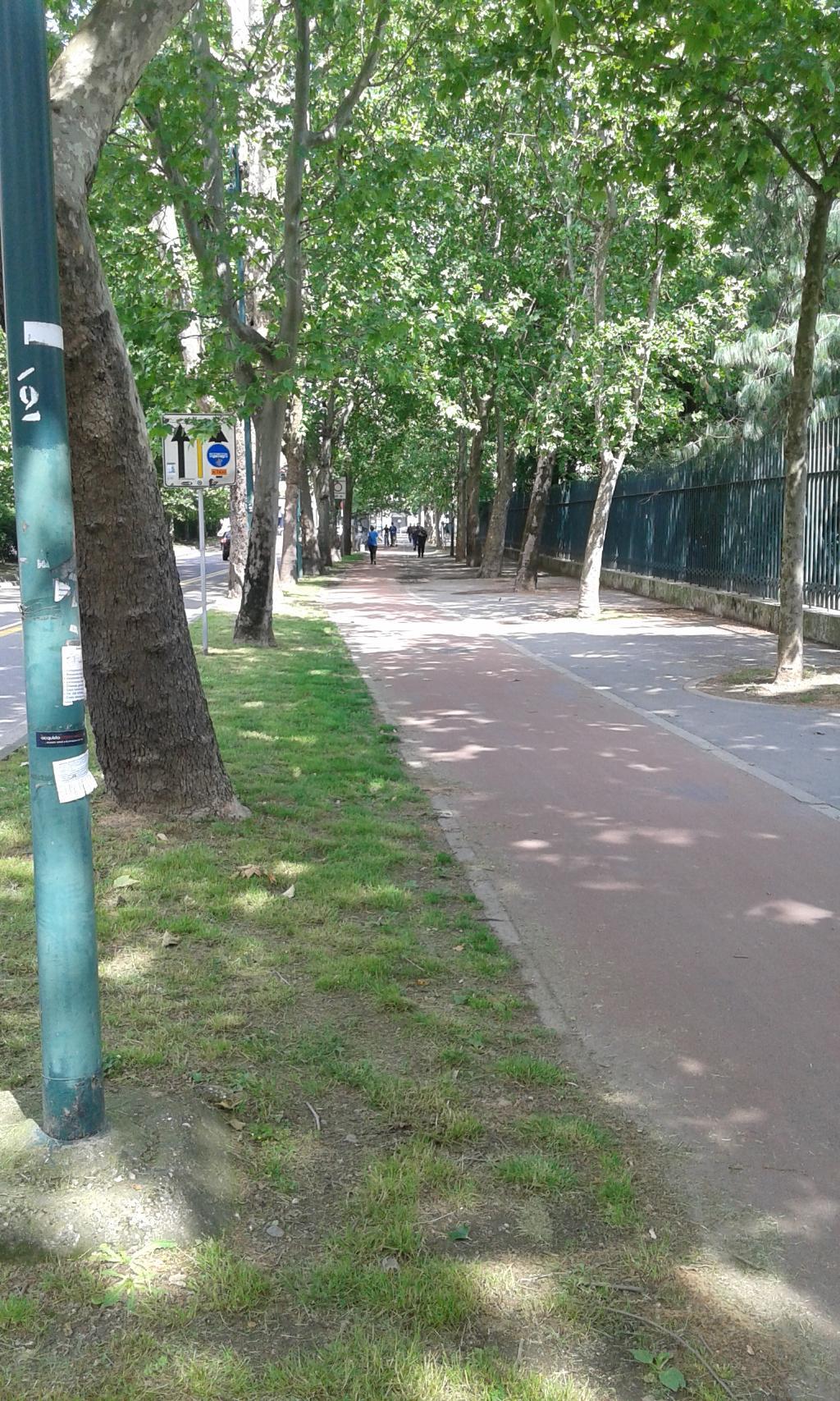 Bilocale Milano Via Canonica 4