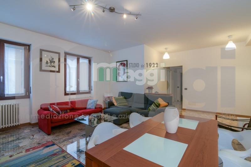 Appartamento in vendita a Milano, 5 locali, zona Località: PortaRomana, prezzo € 525.000 | Cambio Casa.it