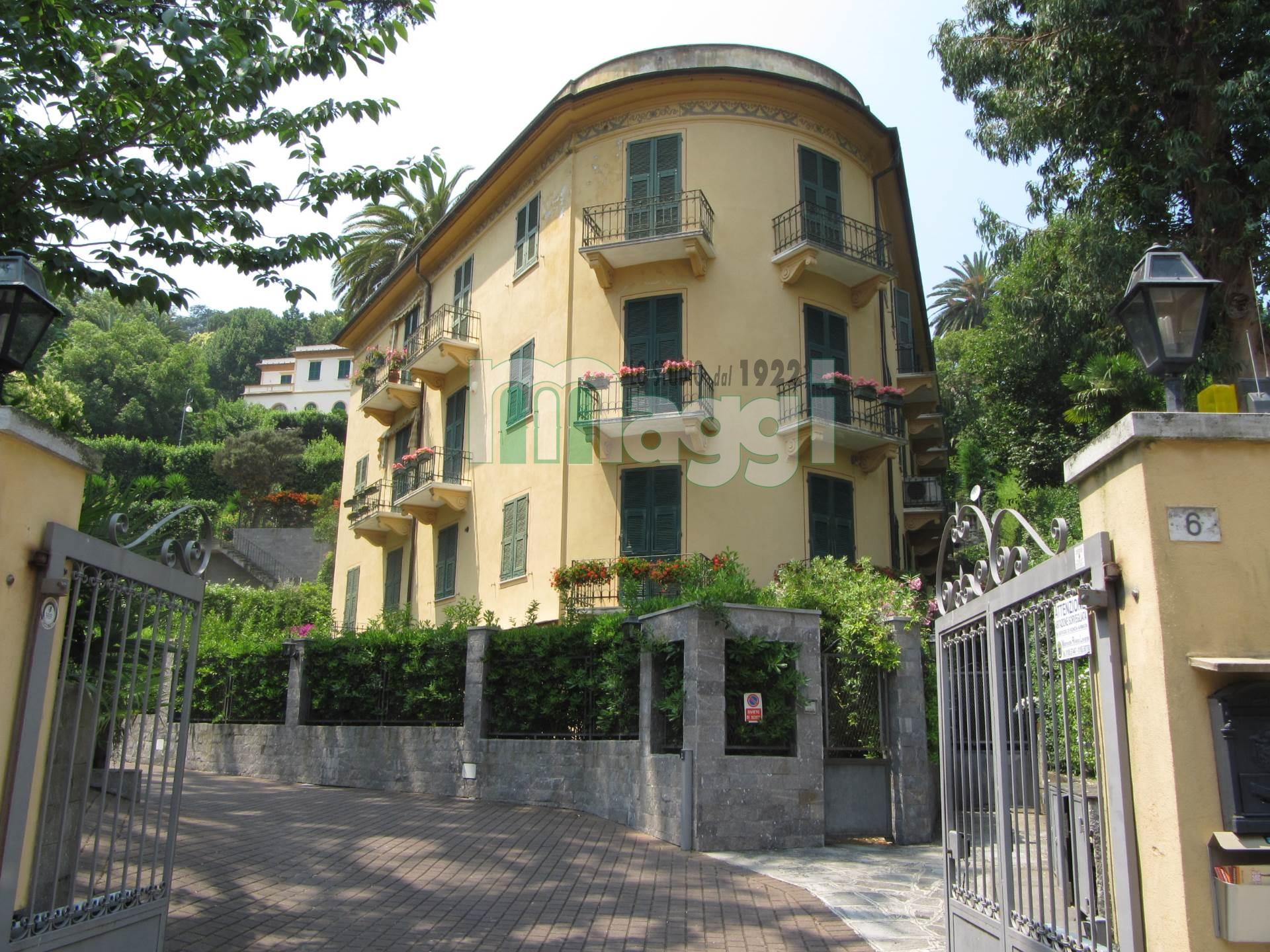 Appartamento in Vendita a Rapallo: 4 locali, 215 mq