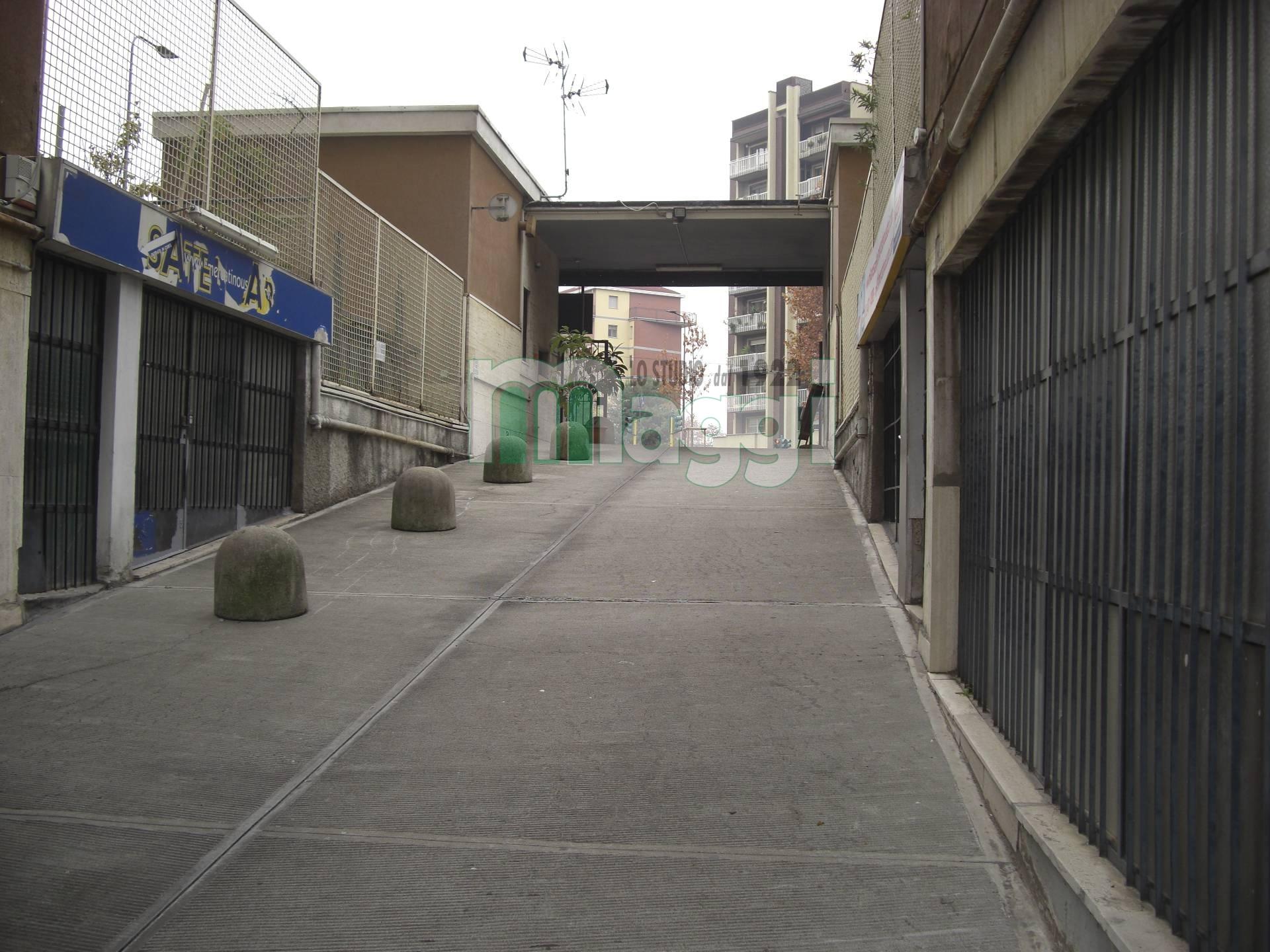 Magazzino in Affitto a Milano:  1 locali, 165 mq  - Foto 1